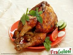 Come preparare un pollo intero per la cottura al forno