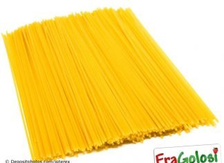 Pasta colorata gialla