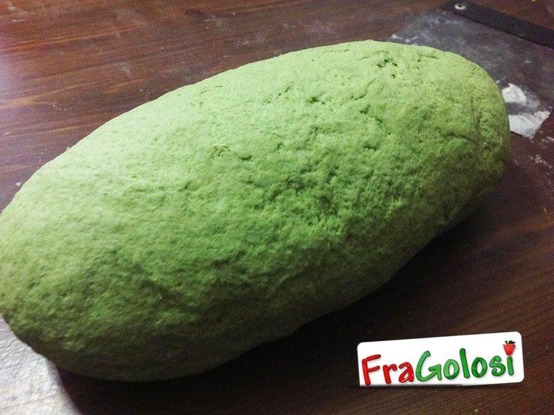 Pasta colorata verde