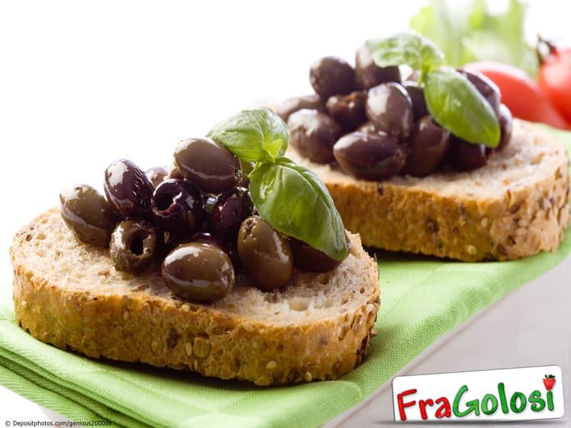 Olive schiacciate sott'aceto