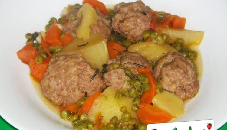 Polpette con carote, piselli e patate