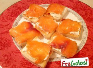 Tartine tostate al salmone