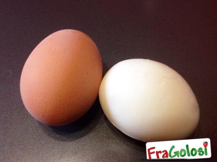 Come sbucciare facilmente l'uovo sodo