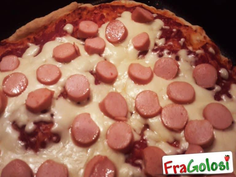 Pizza Margherita con Wurstel