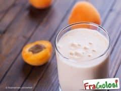 Frullato di Yogurt con Miele e Albicocche