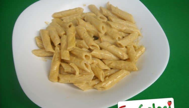Penne rigate con crema di peperoni