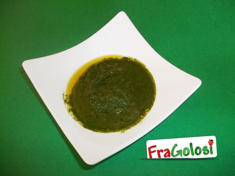 Pesto di basilico in agrodolce