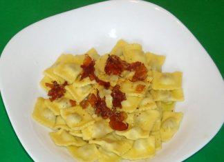 Ravioli con Burro e Pancetta Croccante