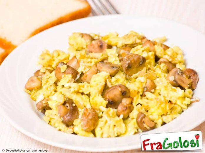 Funghi e uova strapazzate