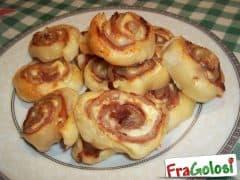 Girelle di Pasta Sfoglia al Prosciutto Crudo