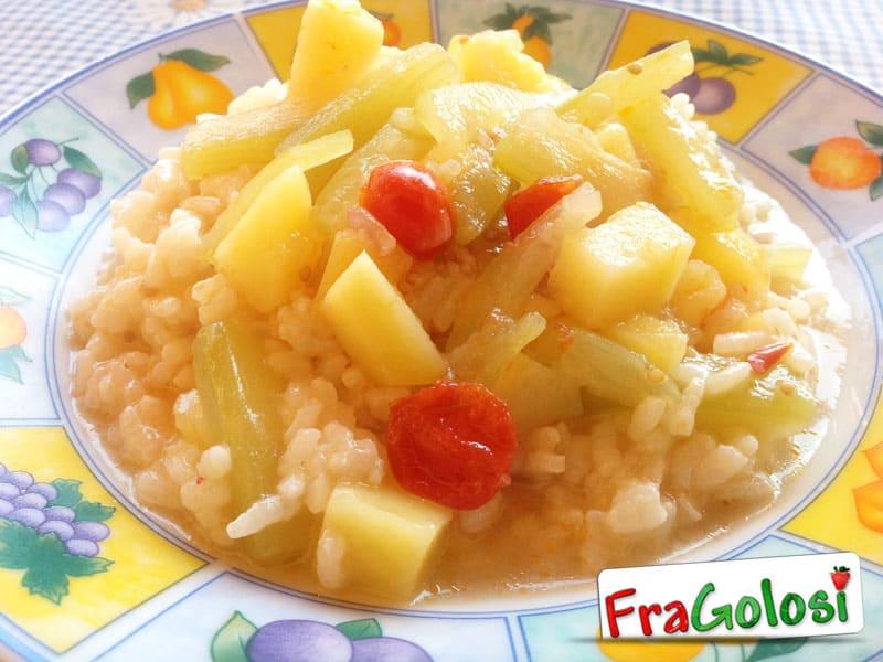 Minestra di riso e zucchina lunga