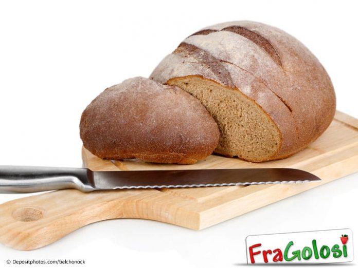 Il pane fresco va sempre tagliato
