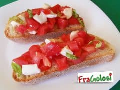Bruschette con Pomodorini e Mozzarella