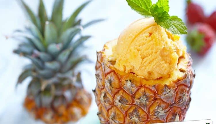 Coppa con l'ananas