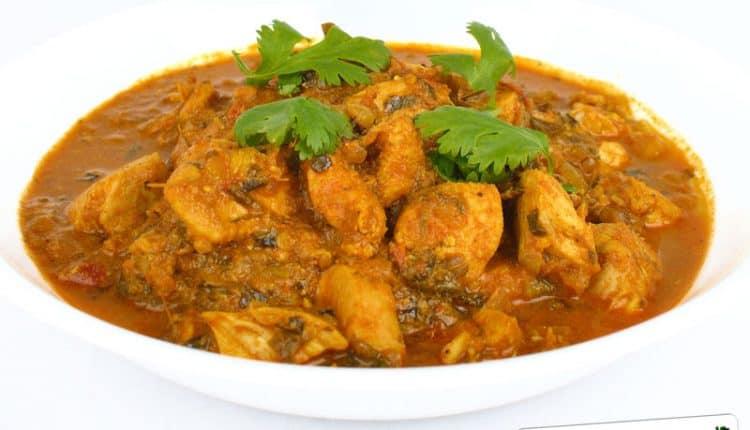 Petto di pollo con le mele ed il curry