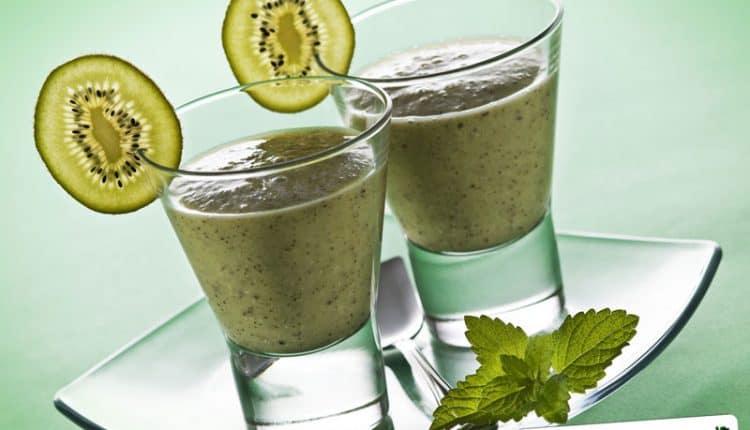 Frullato di yogurt magro e kiwi
