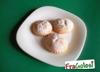 Pasticciotti siciliani ripieni di crema al cioccolato