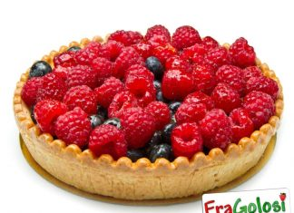 Crostata con la macedonia