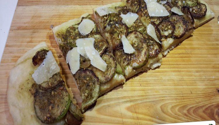 Focaccia con Zucchine e Pesto