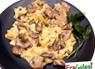 Funghi e uova strapazzate Light