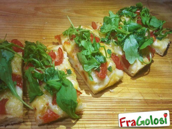Focaccia con Taleggio, Rucola e Pomodori