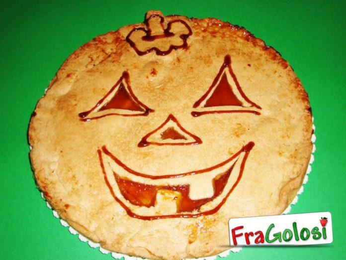 Crostata a forma di zucca di Halloween  La Ricetta Deliziosa di ... d9fa5c7f2a69