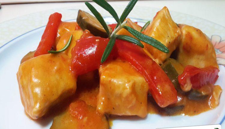 Bocconcini di Pollo con Zucchina, Peperone e Panna