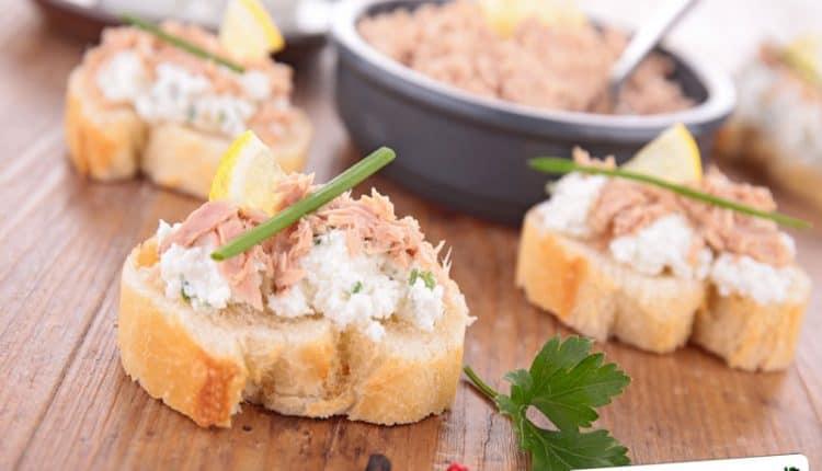 Crostini con crema di tonno
