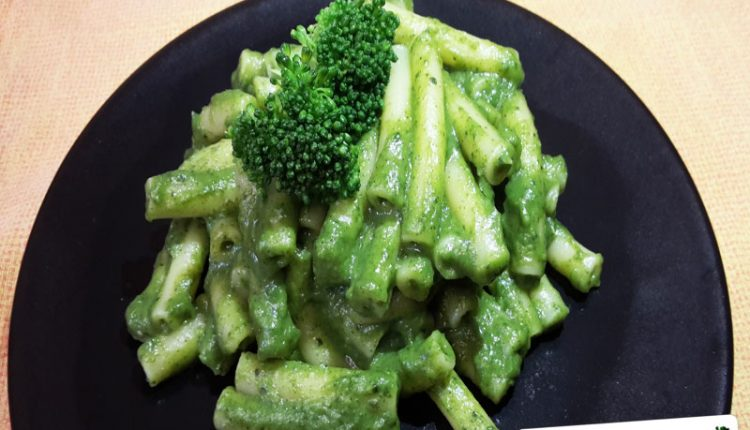 Pasta con il Pesto di Broccoli