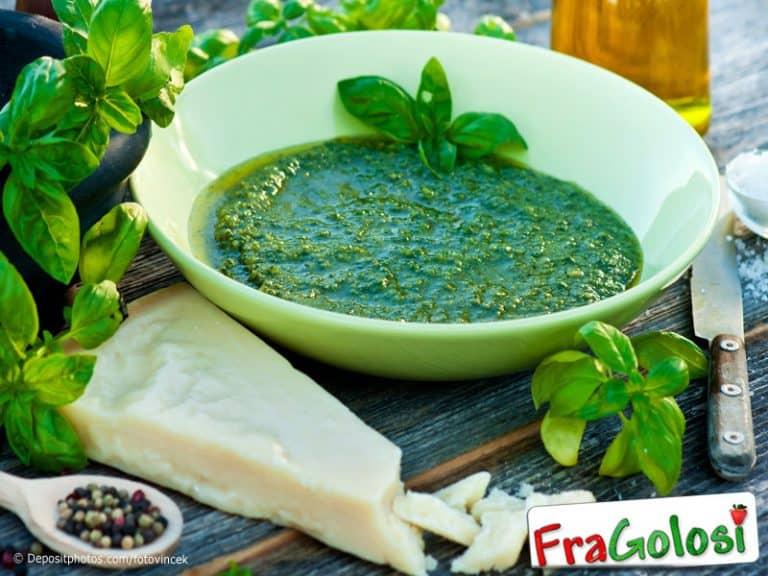 Salsa al basilico e parmigiano