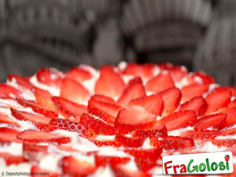Dolce delicato di fragole e ricotta