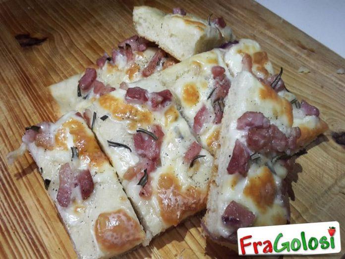 Focaccia con Pancetta e Rosmarino