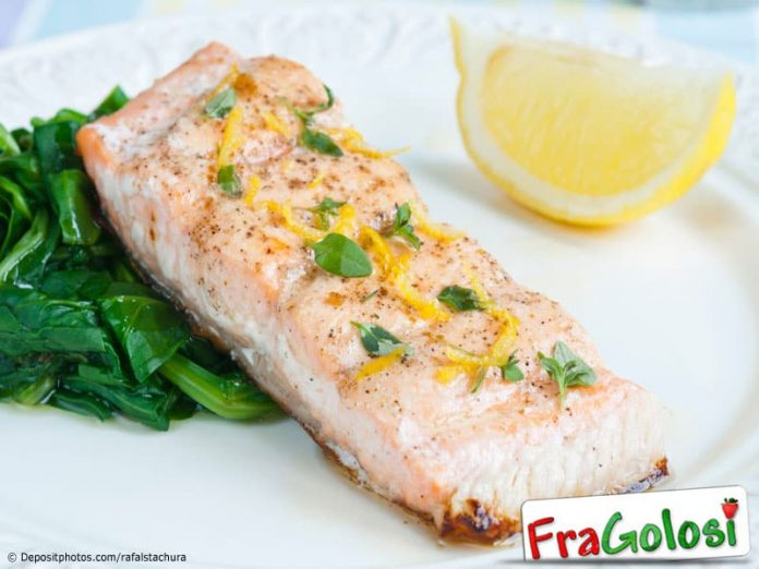 Filetti di salmone arrosto con acetosa