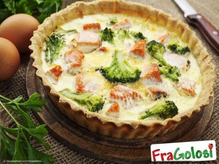 Quiche al salmone fresco broccoli e pomodorini