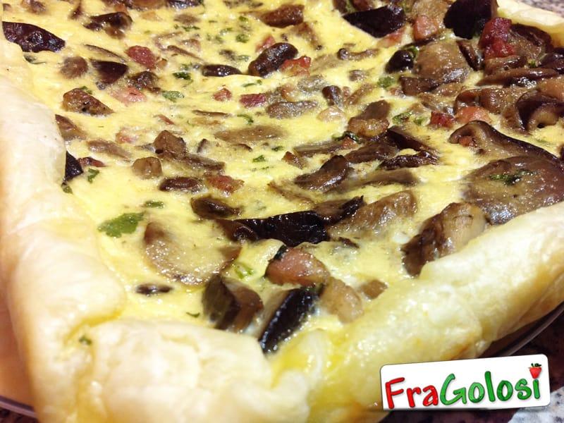 Quiche con pancetta e champignon