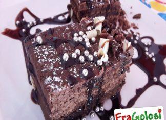 Torta Brownies con Glassa al Cioccolato