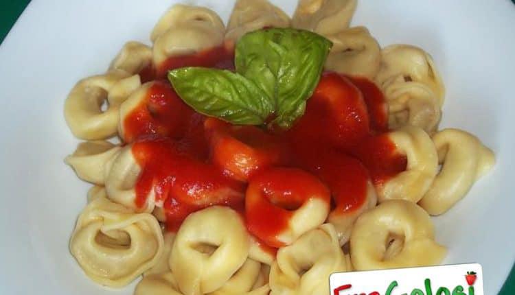 Tortellini al pomodoro