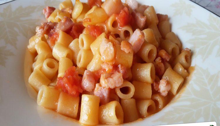 Pasta con Pancetta e Patate