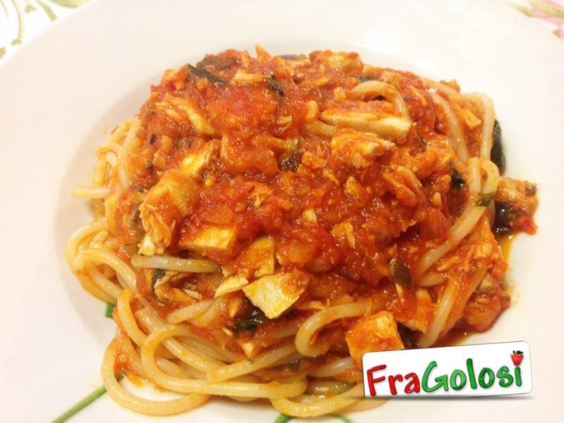 Spaghetti con il ragù di alalunga