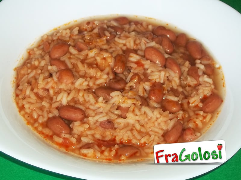 Minestra di riso e fagioli freschi