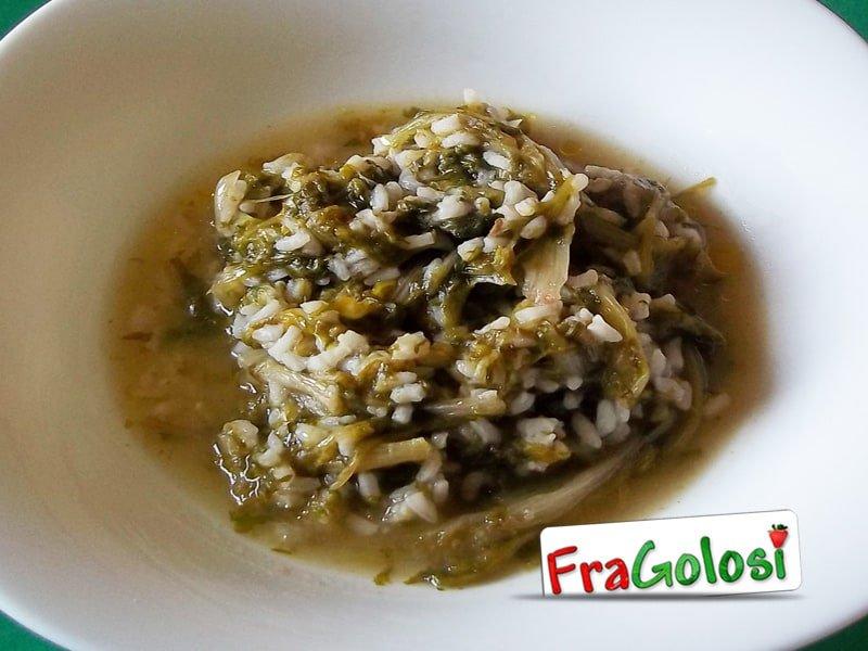 Minestra semplice di riso e scarola riccia