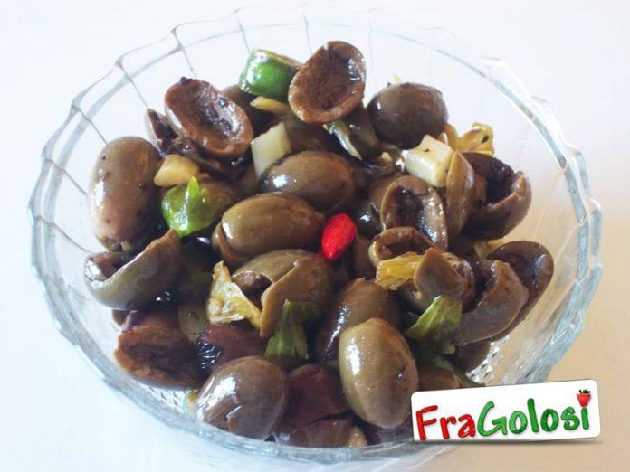 Alivi cunzati (olive condite)