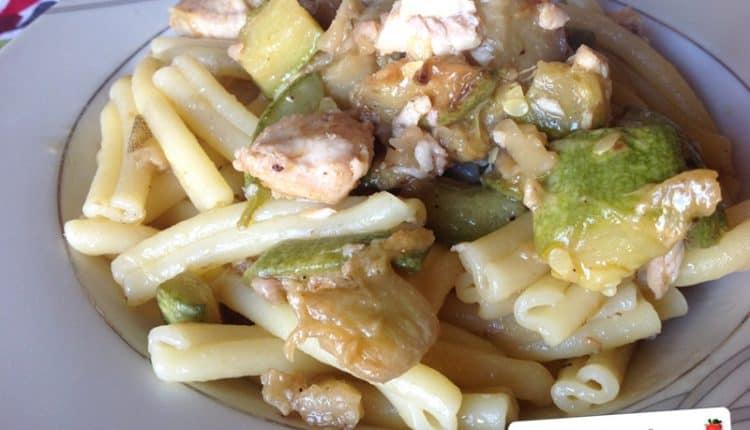 Pasta con pesce spada, zucchine e melanzane