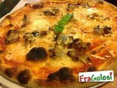 Pizza con Melanzane e Ricotta Infornata