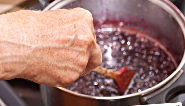 Come controllare se la marmellata è cotta