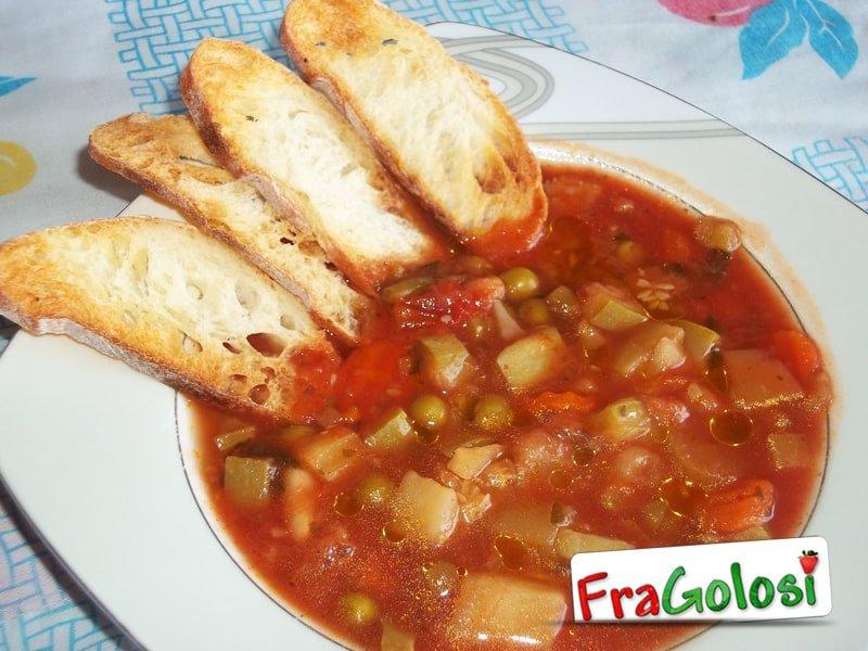 Zuppa di verdure al pomodoro