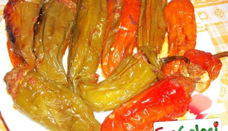 Peperoni cornetto ripieni di carne