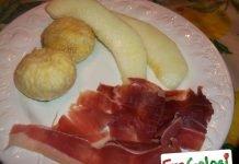 Antipasto di fichi, melone e prosciutto crudo
