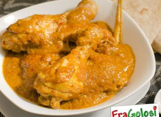 Cosce di pollo al curry con yogurt