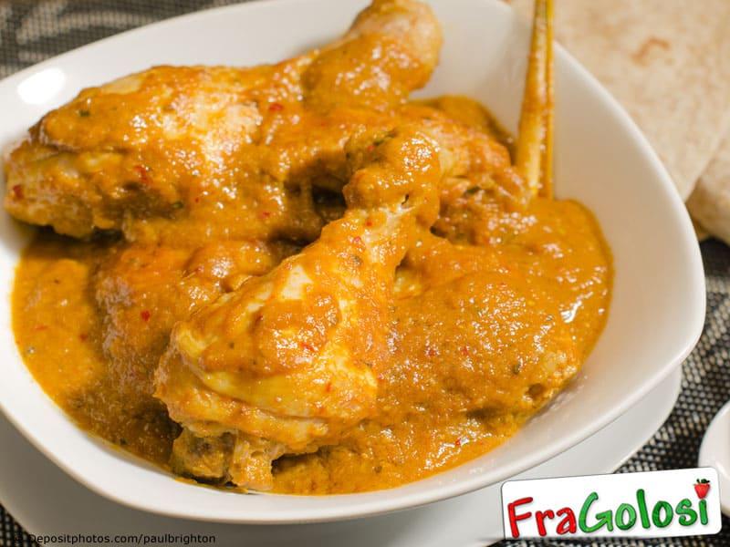 Cosce di pollo al curry con yogurt